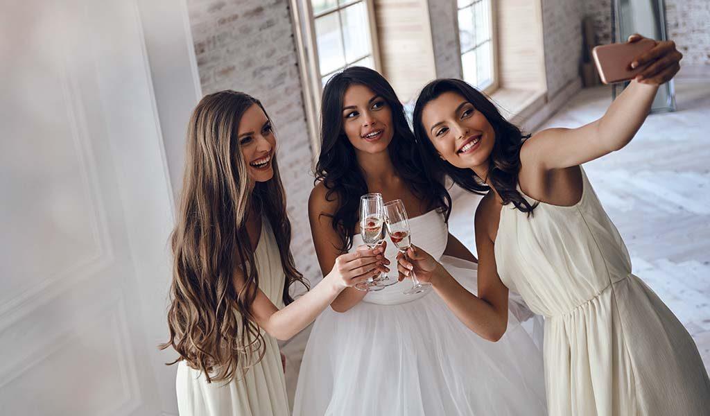 Brides maides selfie
