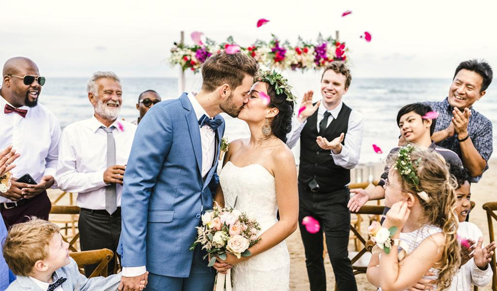 Goedkoop trouwen? Hier kun je op besparen (en hier beter niet op)!